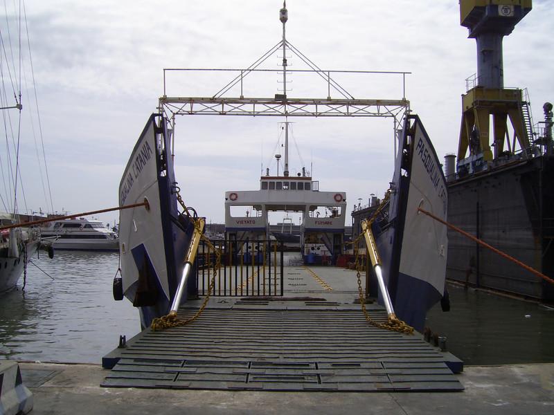 2007 - F/B PASQUALINA CATANIA laid up in Napoli.