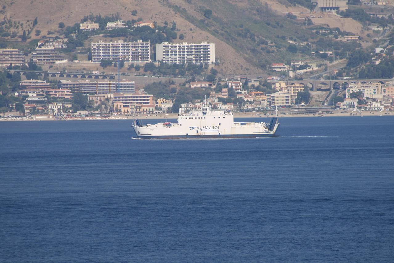 2009 - F/B REGGIO sailing from Villa San Giovanni to Messina.