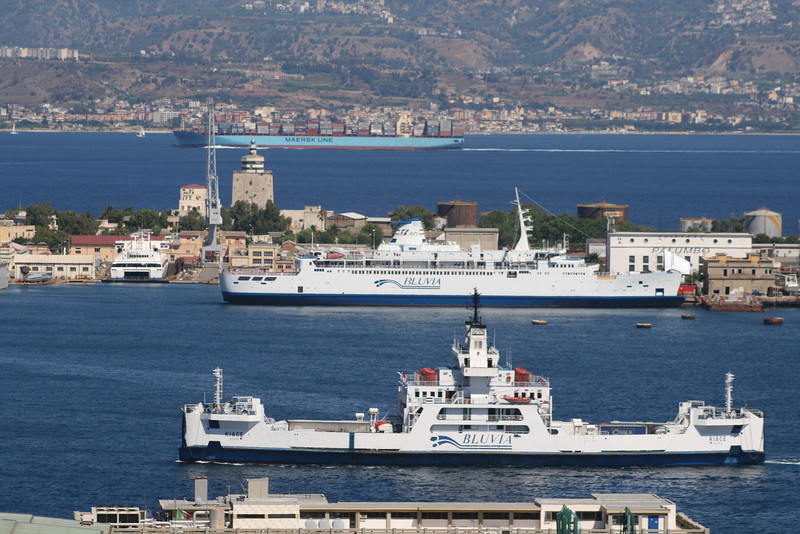 2010 - Bluvia ferries RIACE leaving Messina and IGINIA at shipyard.