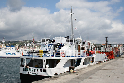 2008 - TOURIST FERRY BOAT III in Pozzuoli.