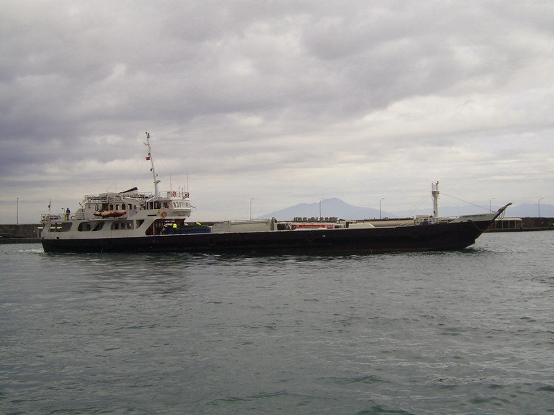 2009 - TOURIST FERRY BOAT III departing from Capri.