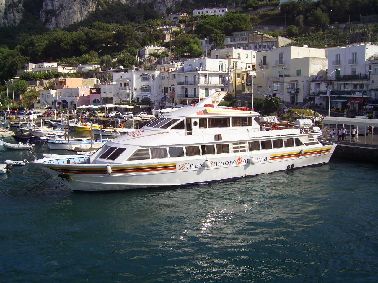 2010 - M/V ISCHIA PRONCESS in Capri.