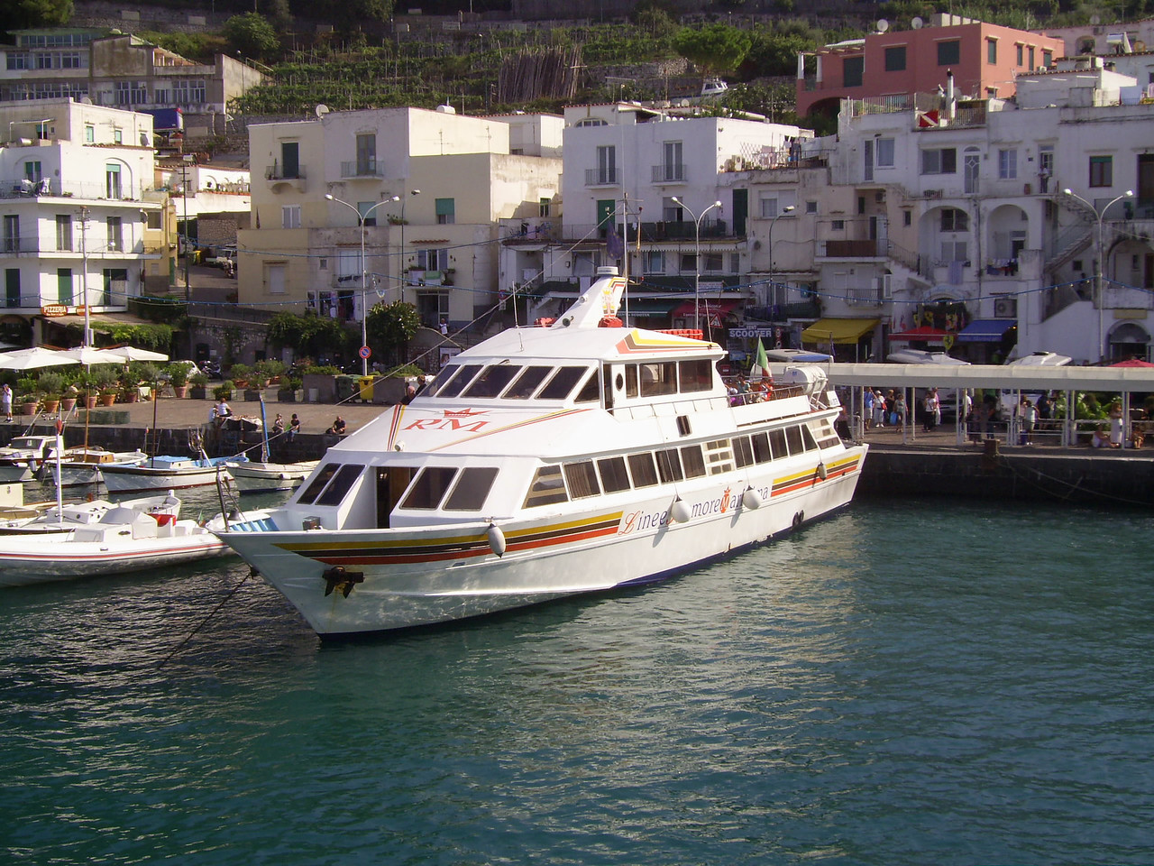 2010 - M/V ISCHIA PRONCESS in Capri.