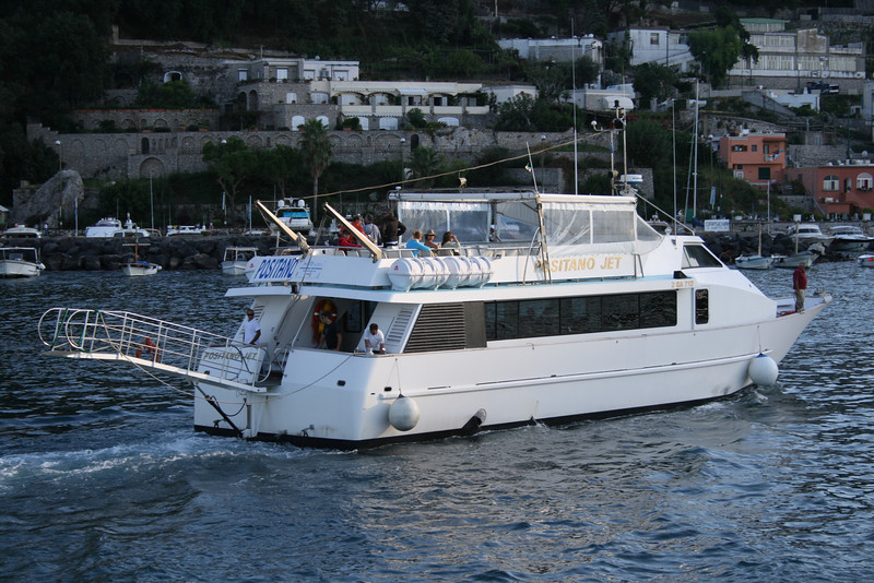2008 - M/V POSITANO JET arriving to Capri from Positano.