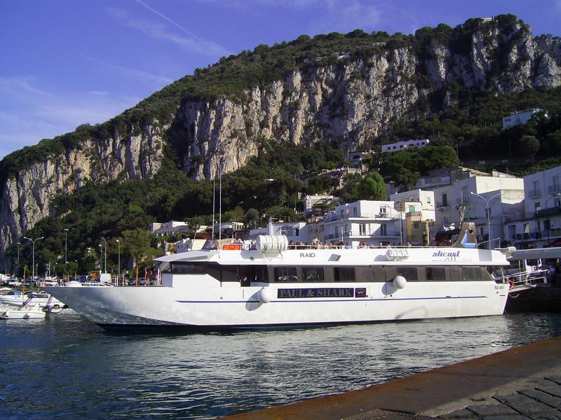 RAID embarking in Capri.