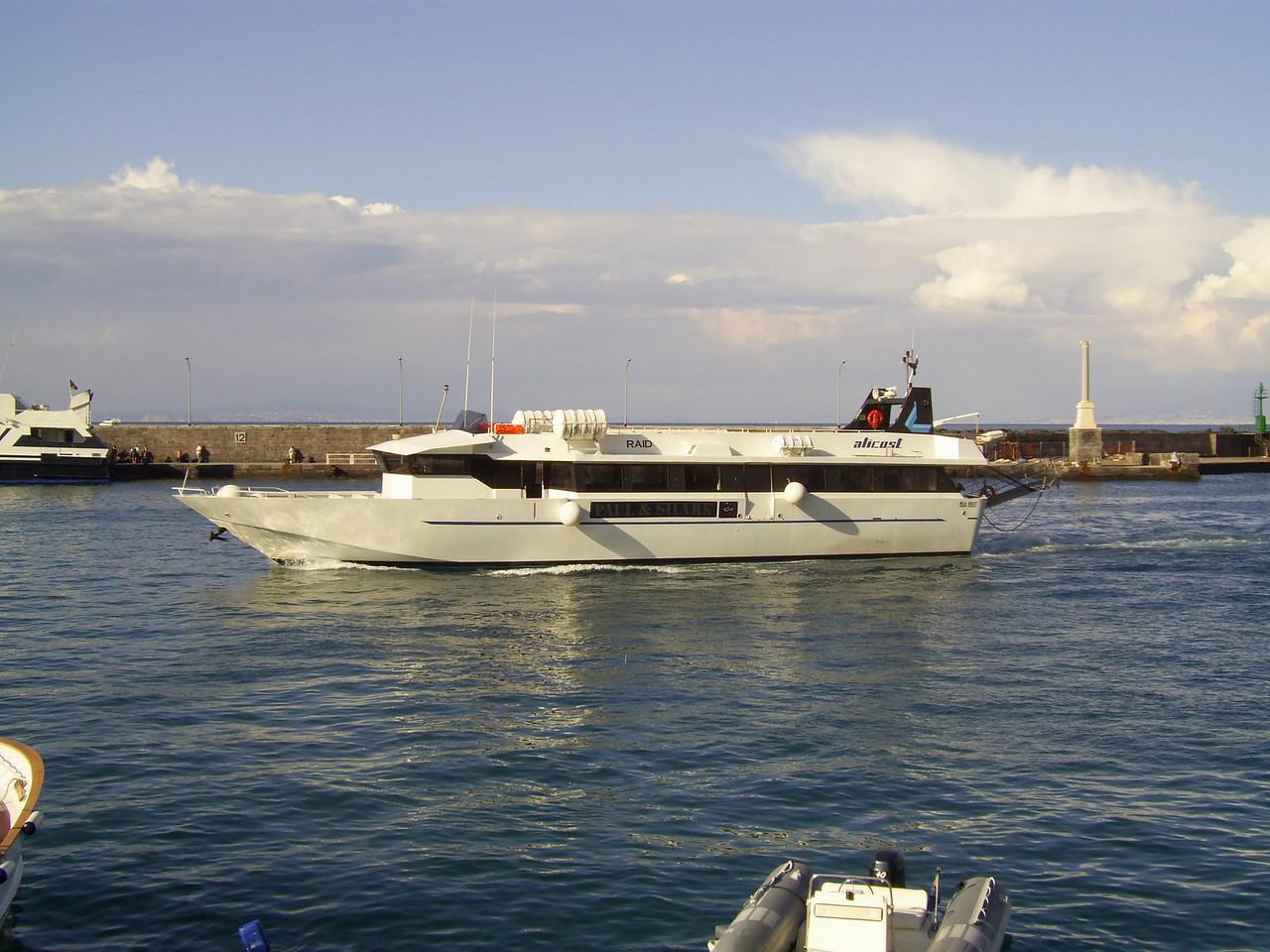 RAID arriving to Capri from Ischia.