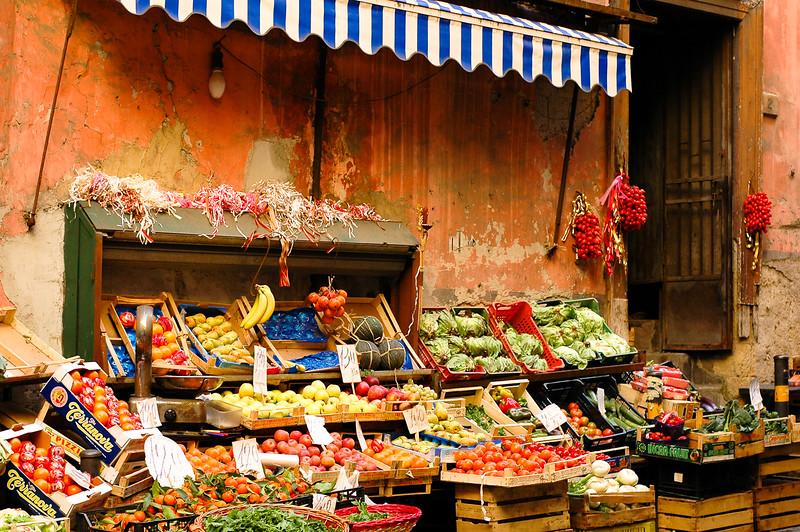 Open Market<br /> Naples, Campania