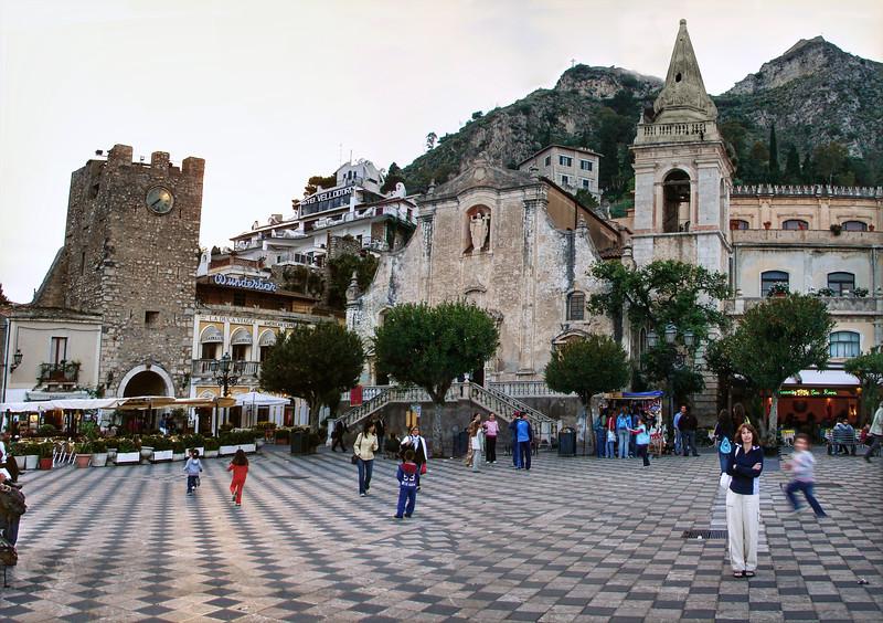 Taormina Town Square