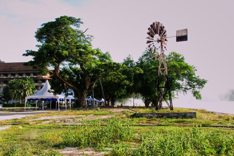 Lumut - Windmill