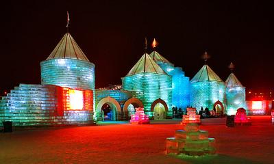 2004 St. Paul Winter Carnival Ice CastleIC-7046