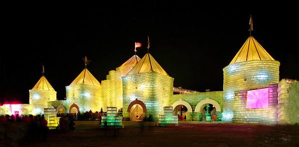 2004 St. Paul Winter Carnival Ice Castle---IC-7044
