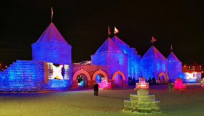 2004 St. Paul Winter Carnival Ice Castle---IC-7041