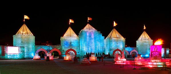 2004 St. Paul Winter Carnival Ice Castle---IC-7043