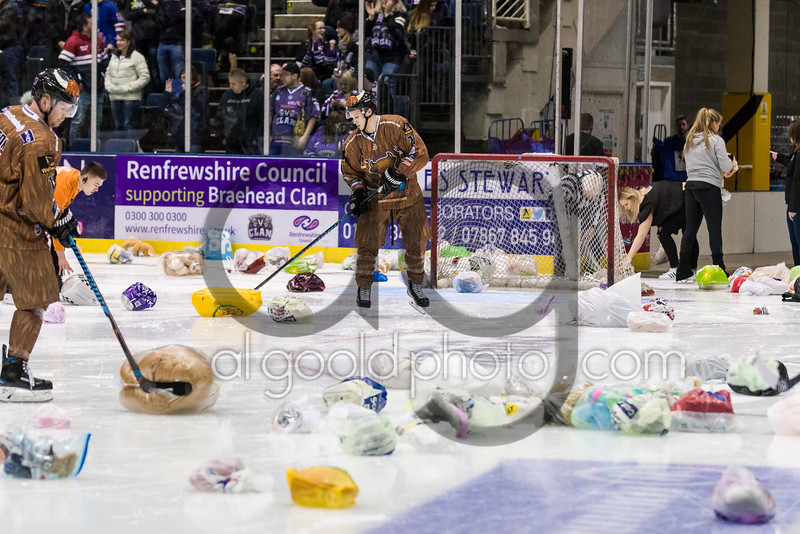 """Dundee Stars defeat Braehead Clan 4-6 at Braehead Arena on  ,3 December 2016, Picture: Al Goold ( <a href=""""http://www.algooldphoto.com"""">http://www.algooldphoto.com</a>)"""
