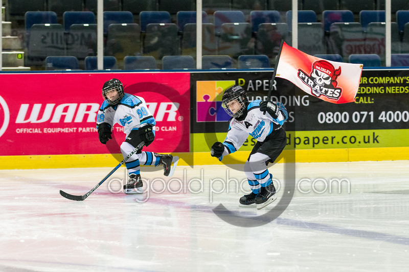 "Paisley Pirates defeat Aberdeen Line 4-3 and are now the only undefeated team in the SNL this season,  at Braehead Arena on  ,7 January 2017, Picture: Al Goold ( <a href=""http://www.algooldphoto.com"">http://www.algooldphoto.com</a>)"