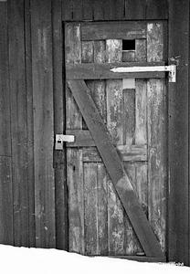 IceH_DoorBW_1790_1