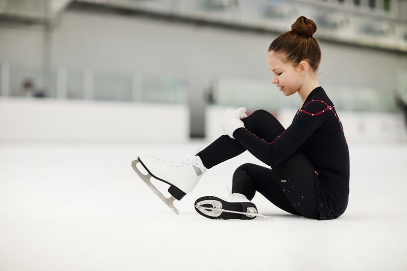 Figure skating fall