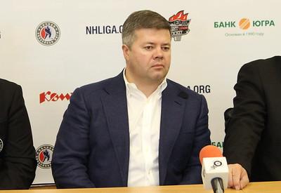 В Челябинске прошла пресс-конференция, посвященная открытию сезона Ночной хоккейной лиги.В пресс-конференции в ледовой арене Трактор принял участие  глава города Челябинска Станислав Мошаров, который ответил на вопросы журналистов