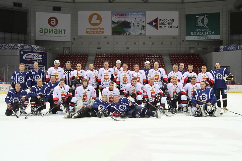 Ежегодный Открытый турнир ГУ МВД России по Челябинской области по хоккею с шайбой проходил в ледовой арене Трактор в течение двух дней - 20 и 21 декабря.