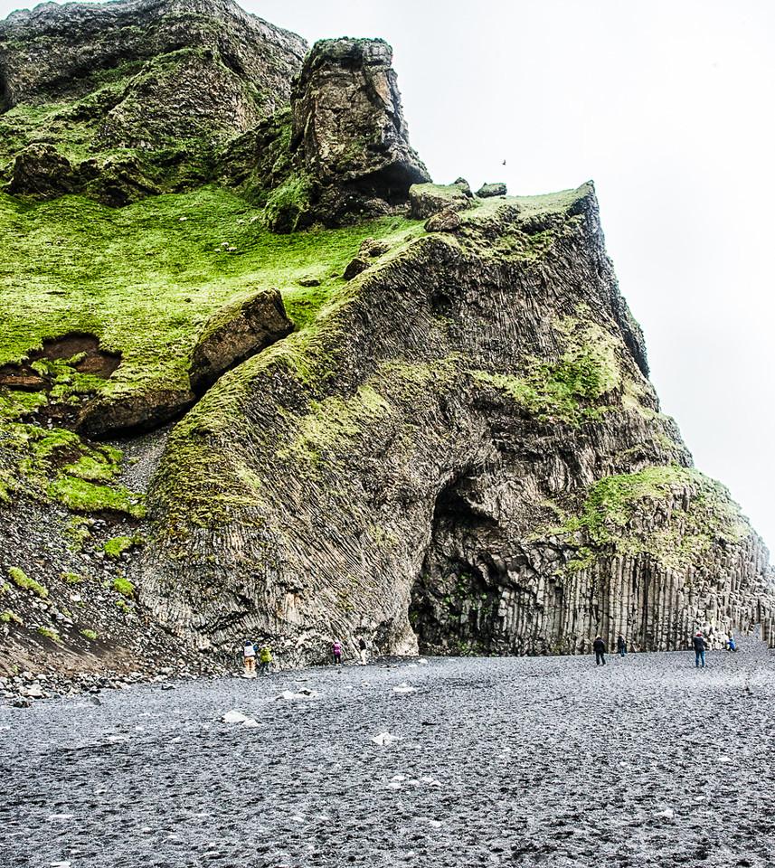 Columnar basalt grottoes