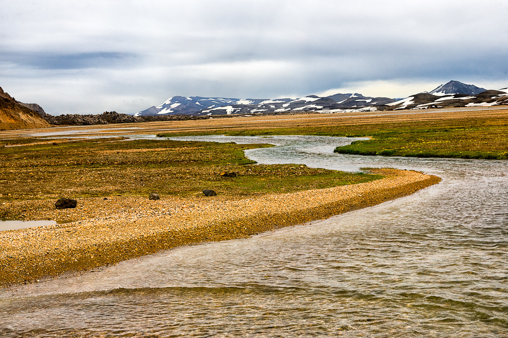 Drive to Landmannalaugar-vast expanses of mountains, lakes, streams and glaciers