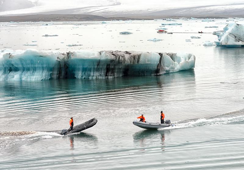 Jokulsarion glacier lagoon-safety boats
