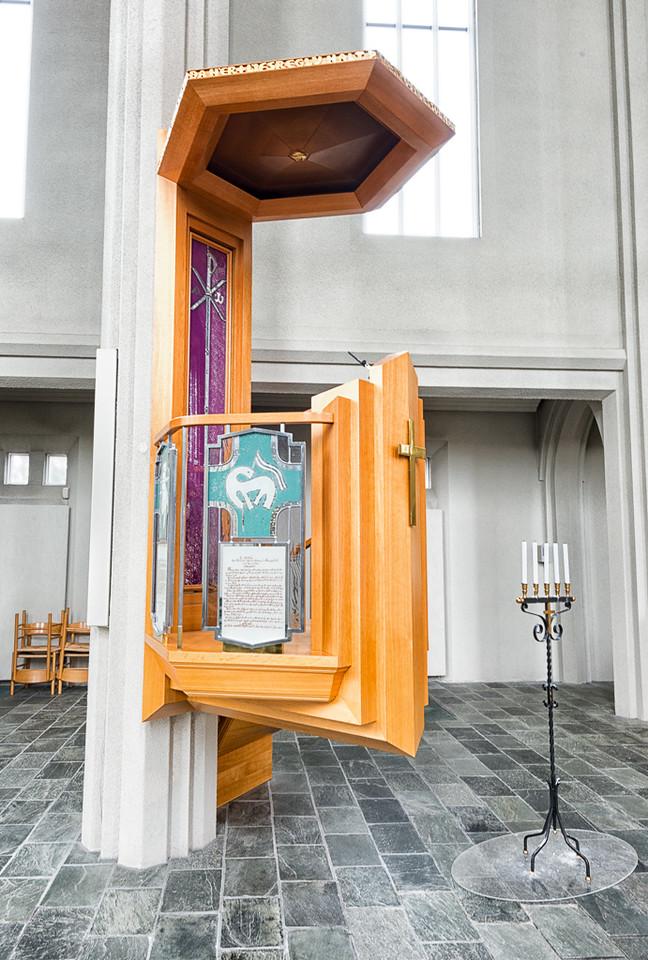 Hallgrimskirkja pulpit