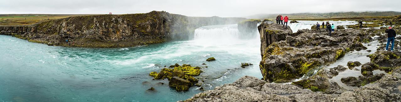 Tourists at Goðafoss