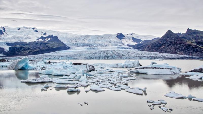 Fjallsárlón glacier lake