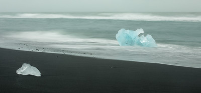 "First view of the Black Sand ""Diamond Beach""..."