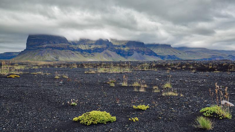 Lómagnúpur on Skeiðarársandur