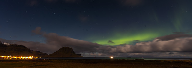 The northern lights at Grundarfjörður and Mount Kirkjufell (2)