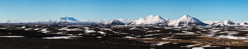 Ódáðahraun desert : a volcanic field in the highlands of northeast Iceland (with Askja and Herðubreið in the background)