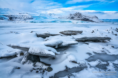 The beauty of a Glacier Lagoon in the early morning
