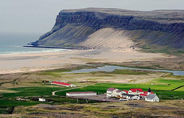 Town of Breidavik