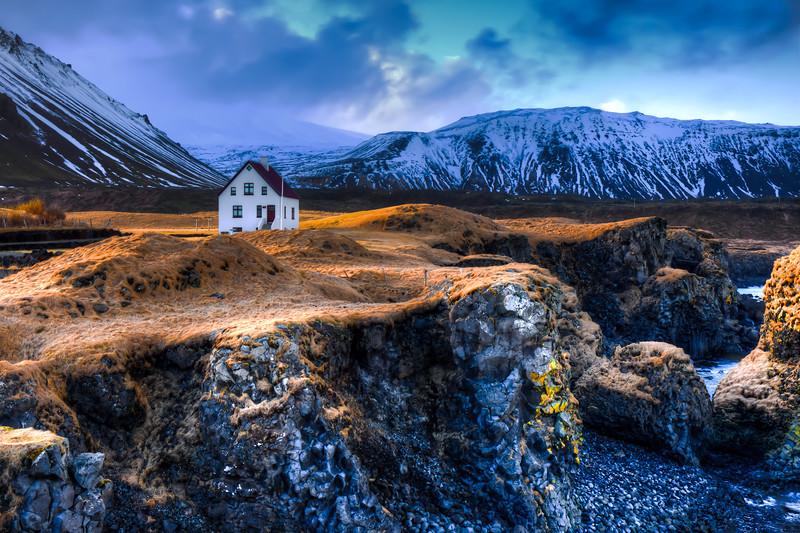 House On Cliffs, Arnarstapi