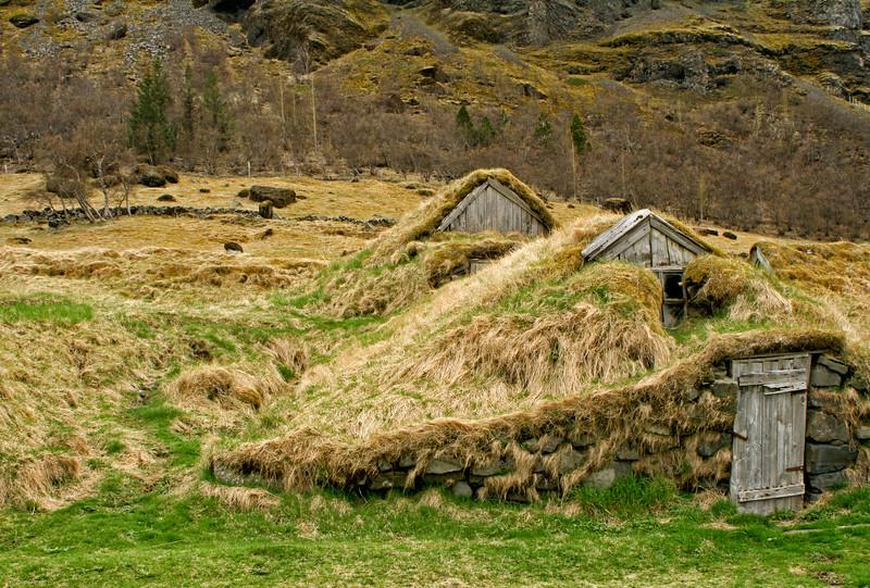 Nupstadur Turf Houses