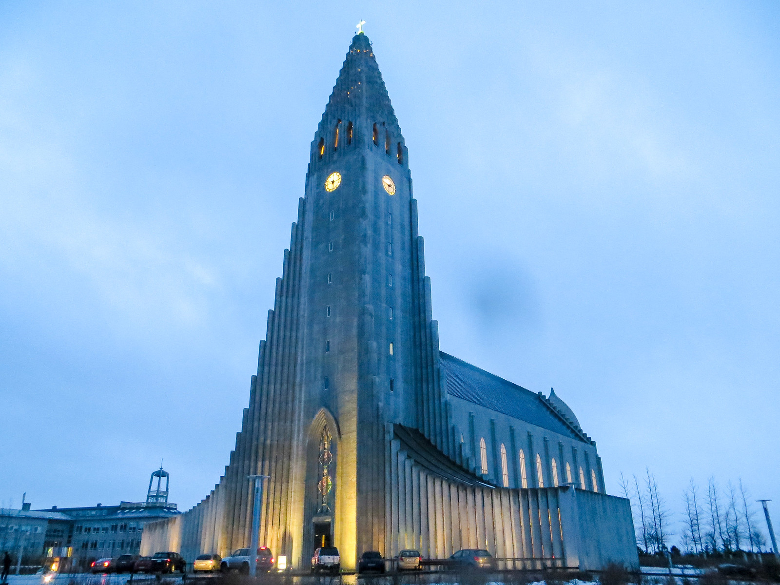 iceland solo travel itinerary: don't skip over hallgrimskirkja