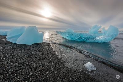 Icebergs ashore