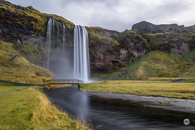 Seljalandsfoss falls 1