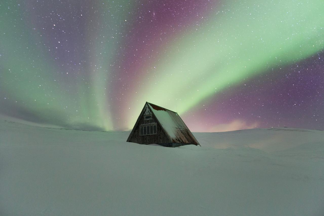 Abandoned Cottage Aurora