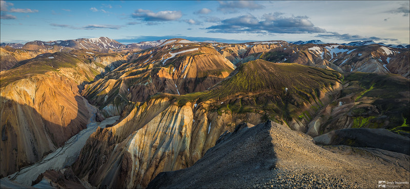 Valley of rhyolite mountains Landmannalaugar