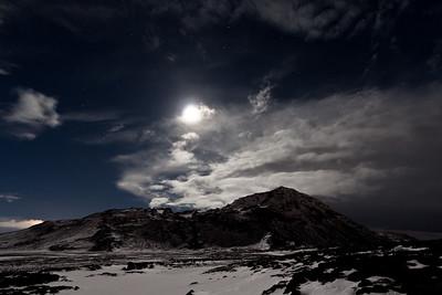 Full moon in Kaldársel, over Helgafell