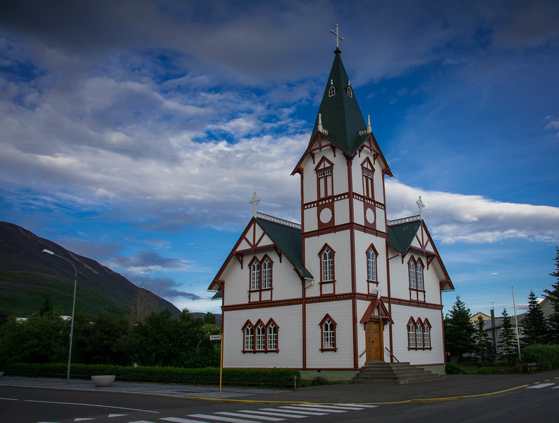 things to do in husavik