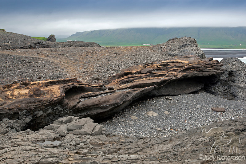 Dyrhólaey Rocks