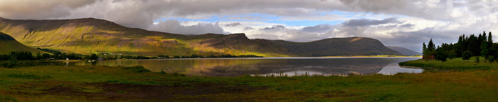 Panoramic view of Meðalfellsvatn Lake, Iceland
