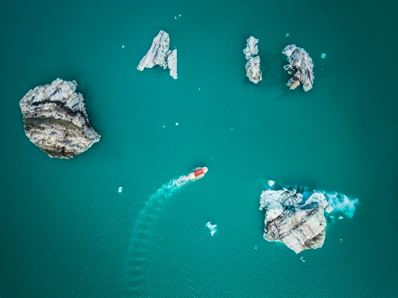 Aerial view of Glacier Lagoon boat tour.
