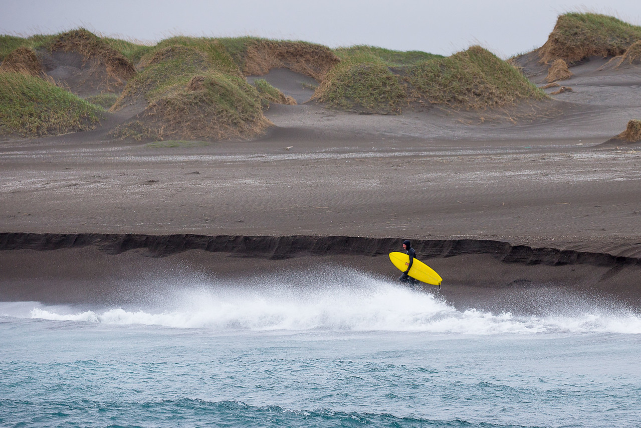 forrest shearer surfing southern iceland