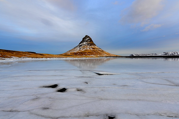Wide angle of Kirkjafell and ice