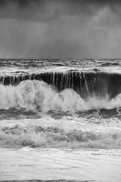 Reynisfjara wave breaks